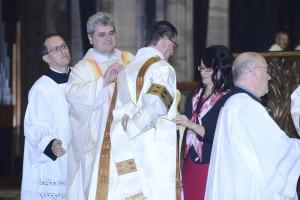 Nel Duomo di Milano il cardinale Angelo Scola ha ordinato cinque nuovi diaconi permanenti.